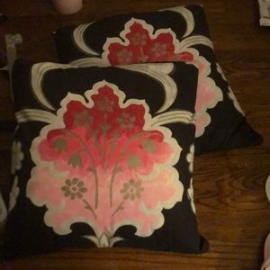 Lot of 2 pillows pink designers guild